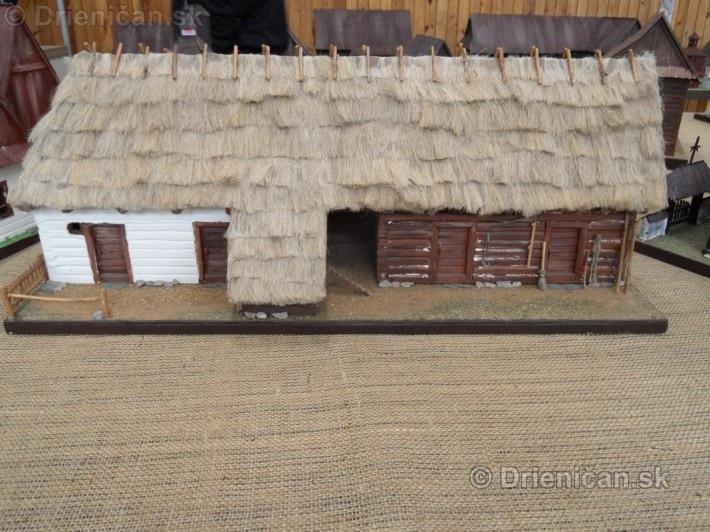 ABC stavebnictva Presov,miniatury kostolov,hradov a ludovej architektury_51