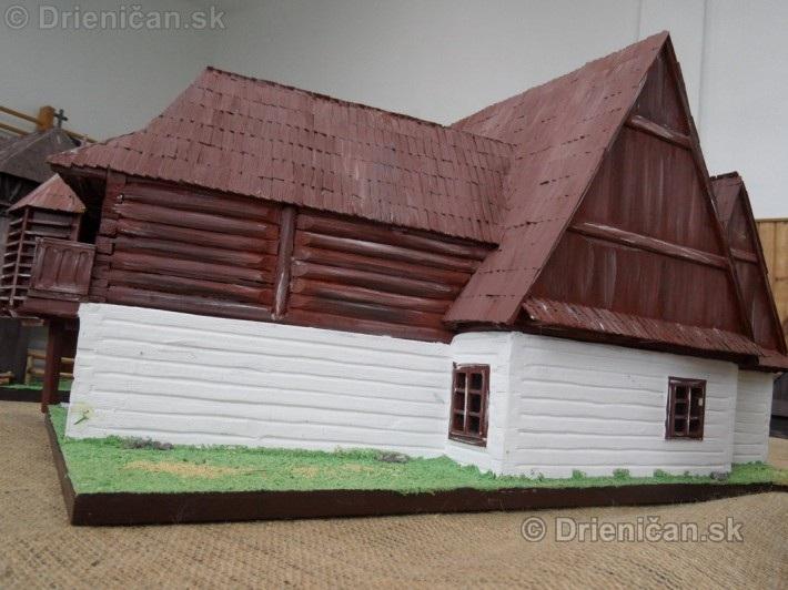 ABC stavebnictva Presov,miniatury kostolov,hradov a ludovej architektury_53