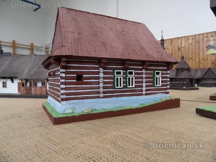 ABC stavebnictva Presov,miniatury kostolov,hradov a ludovej architektury_55