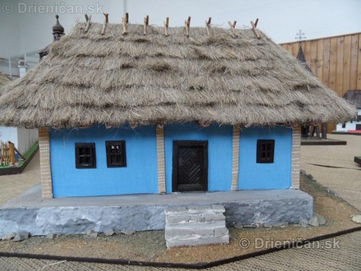 ABC stavebnictva Presov,miniatury kostolov,hradov a ludovej architektury_58