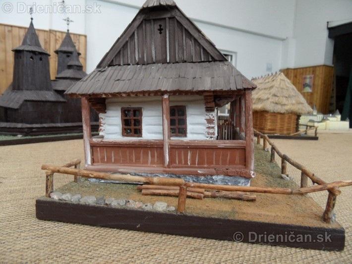 ABC stavebnictva Presov,miniatury kostolov,hradov a ludovej architektury_59