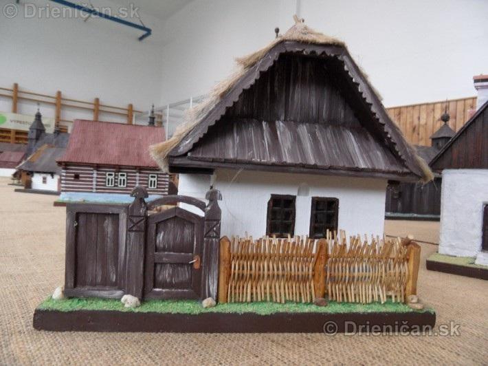 ABC stavebnictva Presov,miniatury kostolov,hradov a ludovej architektury_60