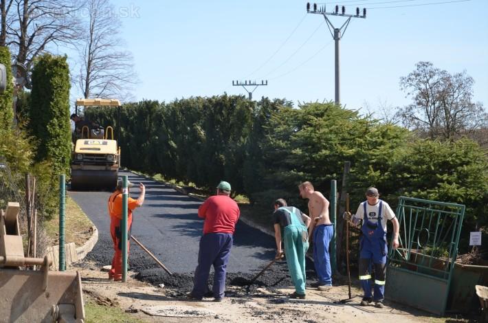 asfaltovanie cesty na cintorin drienica_19