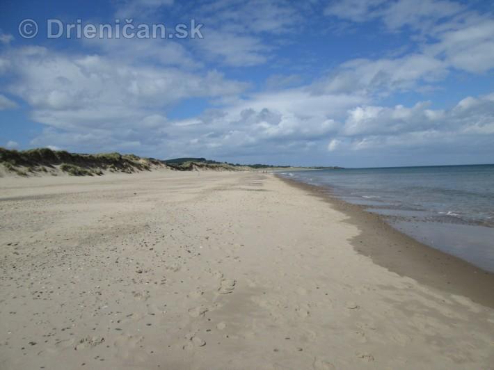 Prejsť takúto pláž od začiatku do konca vám zaberie asi hodinku