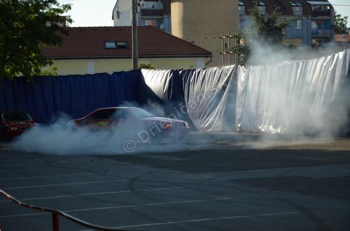Zadný náhon BMW je ako stvorený pre drifting