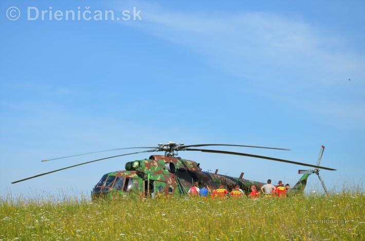 Helikoptéra na lúke kvetnatej...