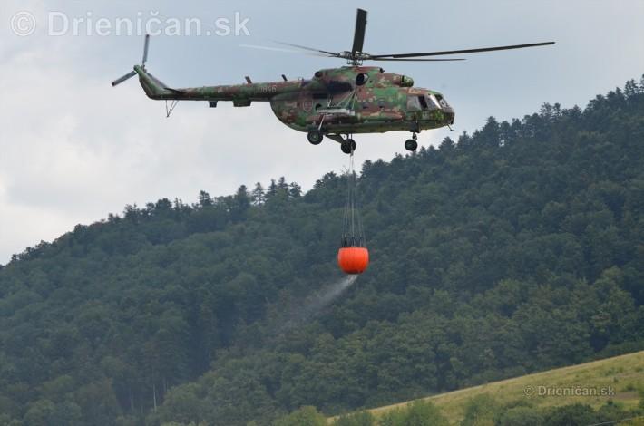 Helikoptéra aj s nákladom...