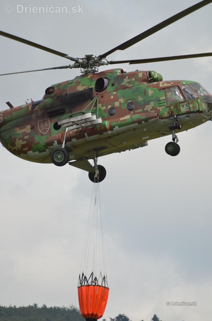 Ešte detail na telo helikoptéry...