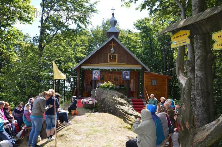 kaplnka pri oltar kameni 2013_07
