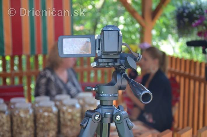 A táto kamerka je naša, nahráva celé prebiehanie natáčania...keby niečo :-)