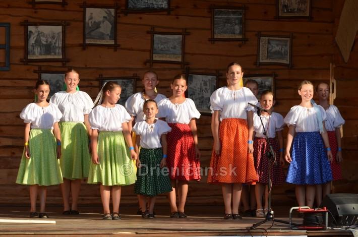 Detský folklórny súbor Krivianček z Krivian