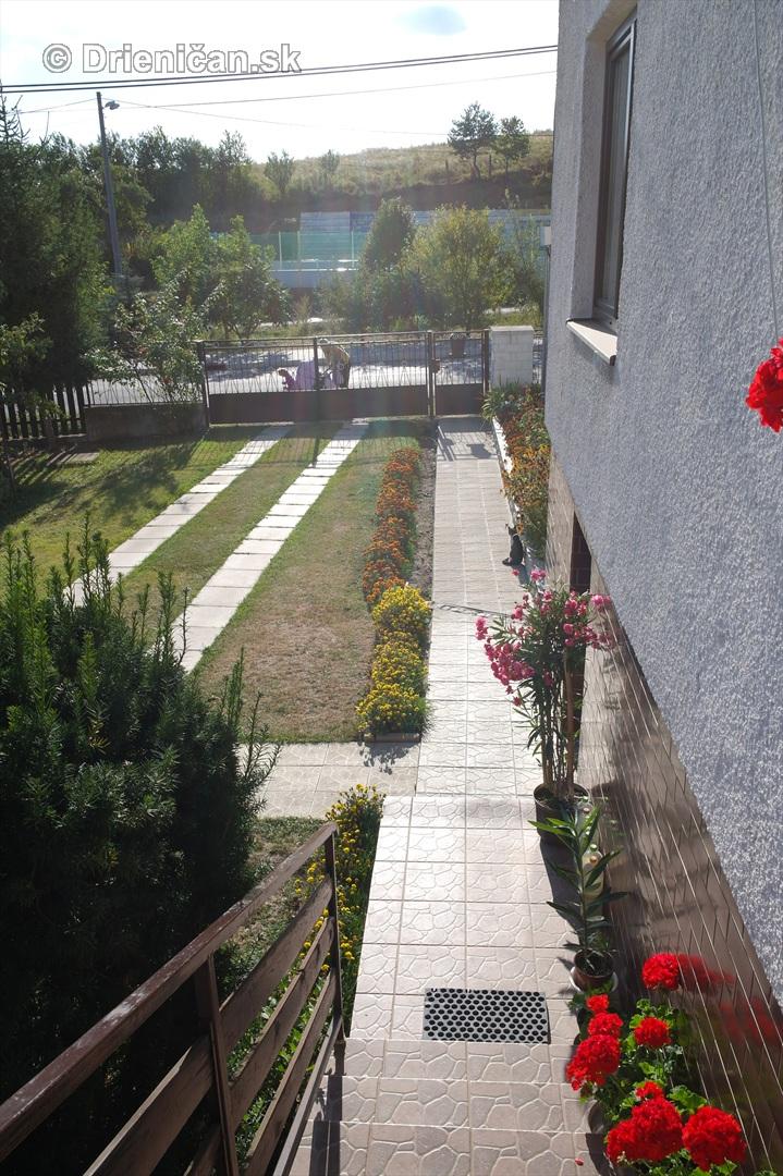drienica kvety balkony_51