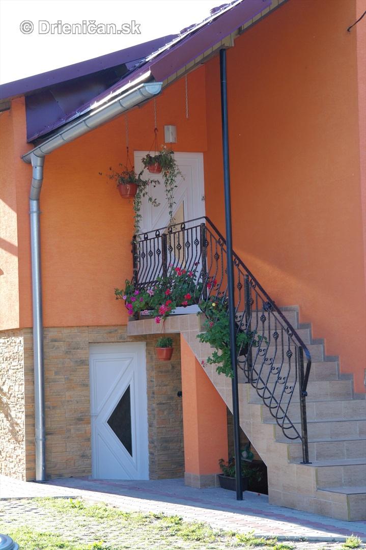 drienica kvety balkony_73