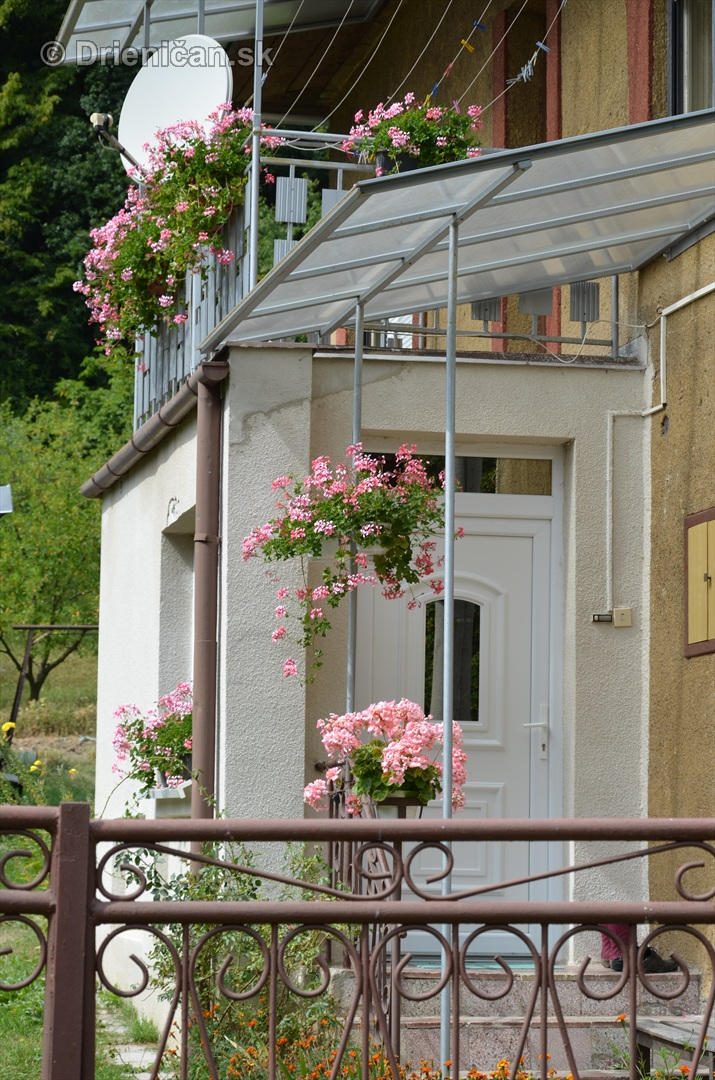 kvety balkony drienica ulica_3