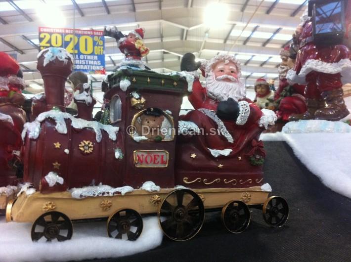 Santa chodí aj vlakom,... keď musí, hlavne keď ide načas :-)