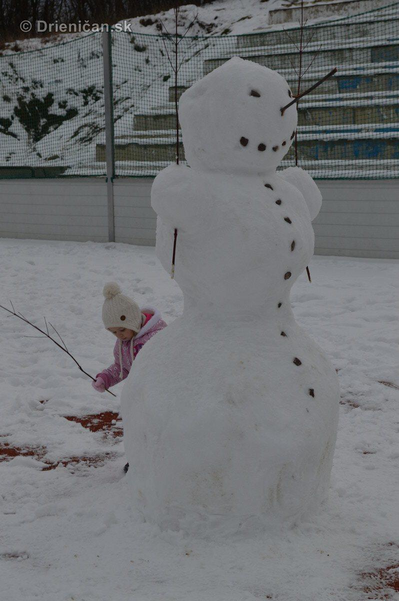 Snehuliak na futbale_2