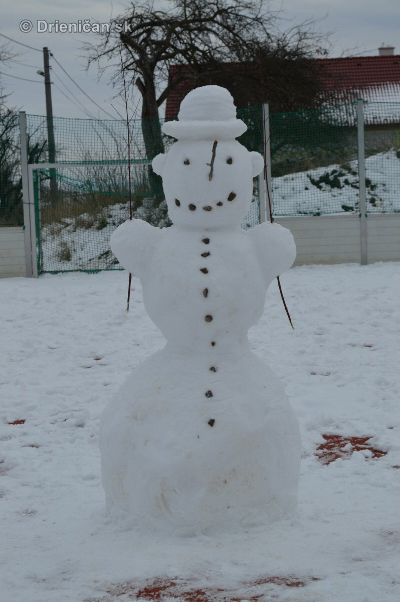 Snehuliak na futbale_3