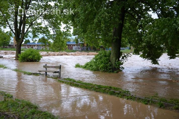 Rozvodnena rieka Torysa_06