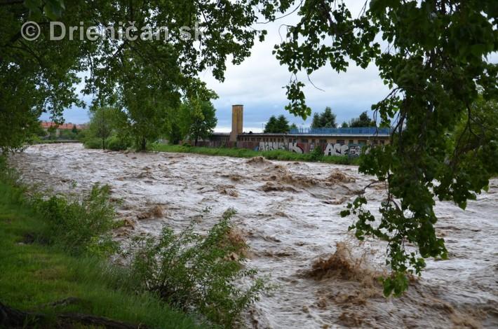 Rozvodnena rieka Torysa_07