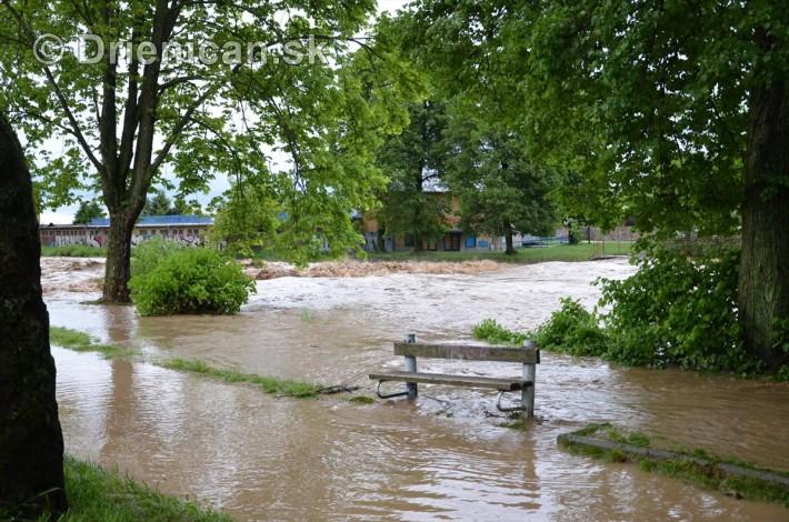 Rozvodnena rieka Torysa_08