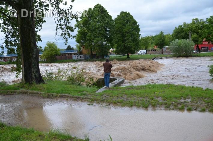 Rozvodnena rieka Torysa_11