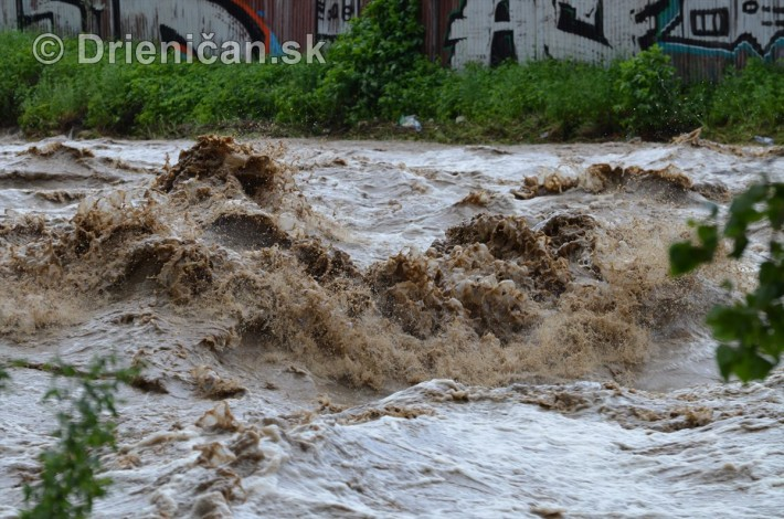 Rozvodnena rieka Torysa_15