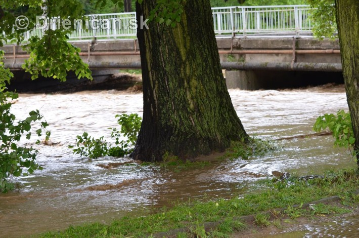 Rozvodnena rieka Torysa_32