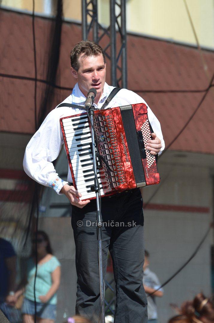 Umelecký vedúci: Miroslav Fabián.