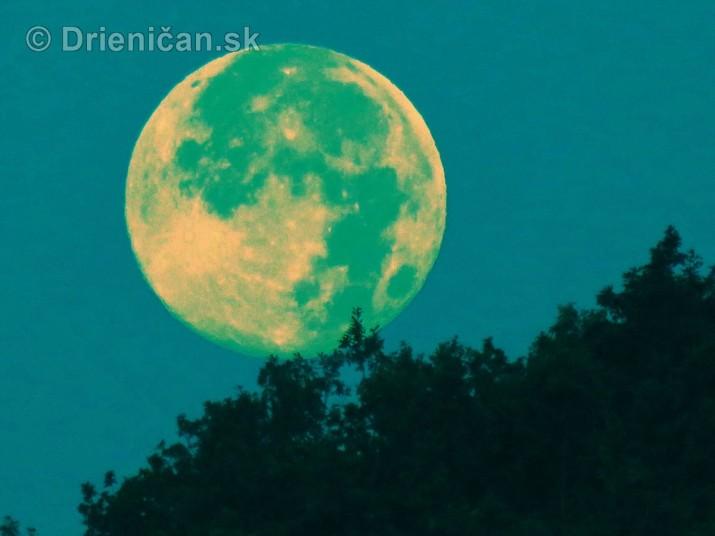 Najvacsi Mesiac v roku foto_1