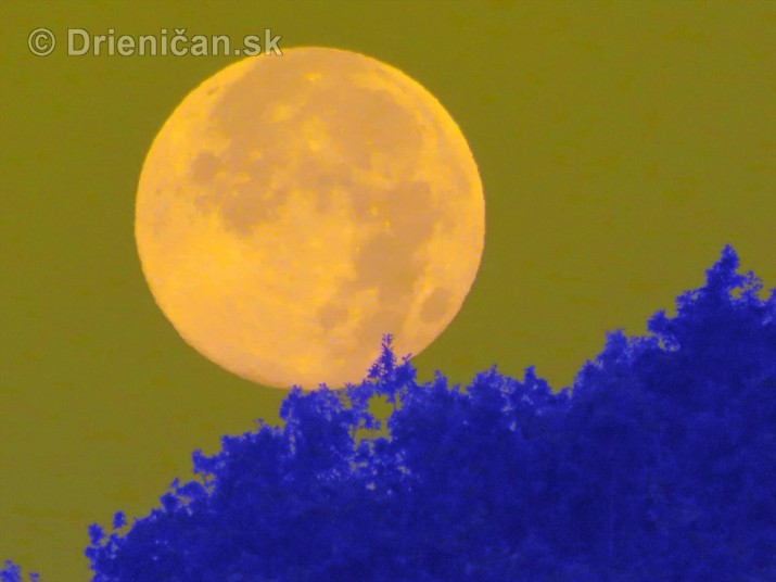 Najvacsi Mesiac v roku foto_2