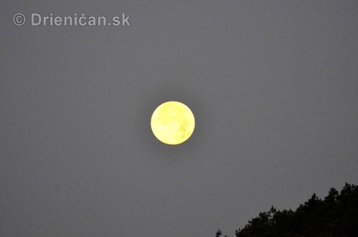 Najvacsi Mesiac v roku_2