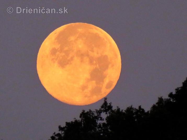 Najvacsi Mesiac v roku_5
