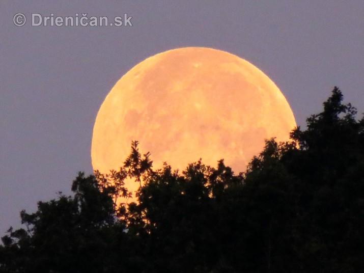 Najvacsi Mesiac v roku_7