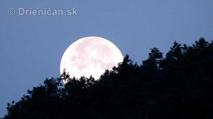 Najvacsi Mesiac v roku_9