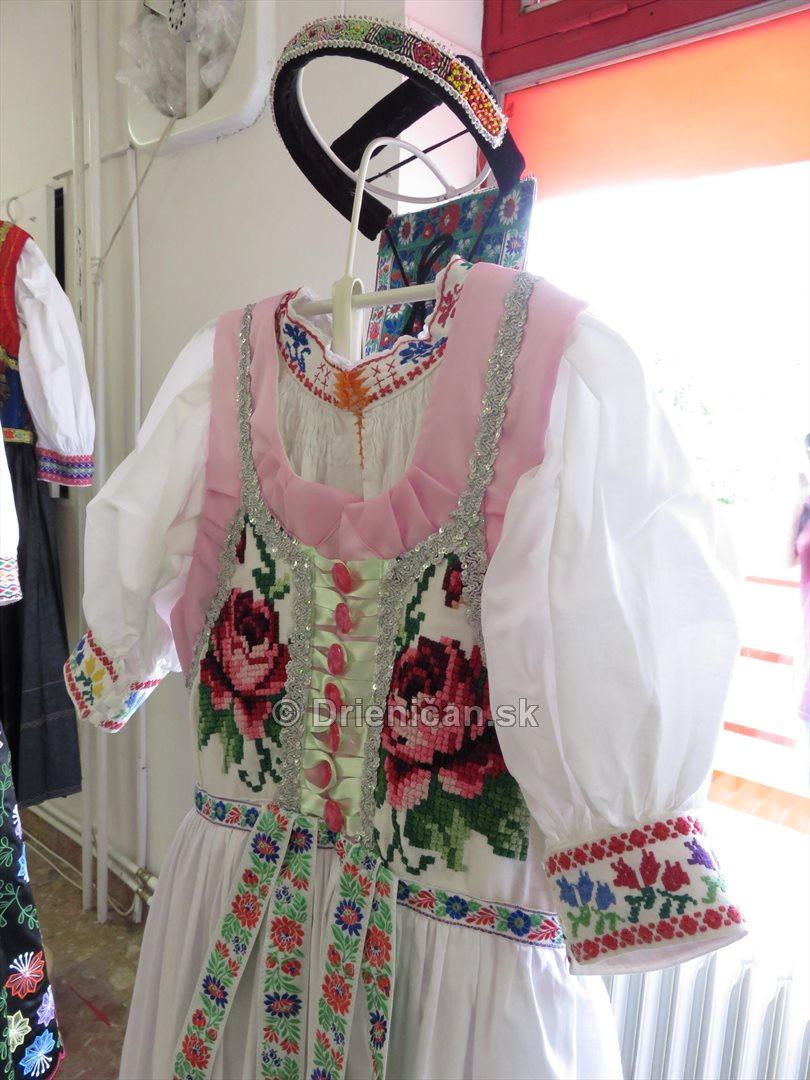 Sarissky kroj_48