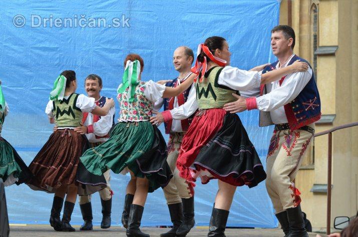 Jesenny kulturny festival v parku pri fontane _08