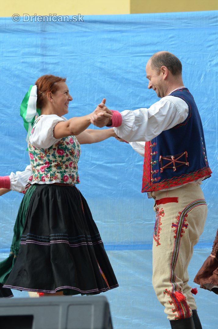 Jesenny kulturny festival v parku pri fontane _09