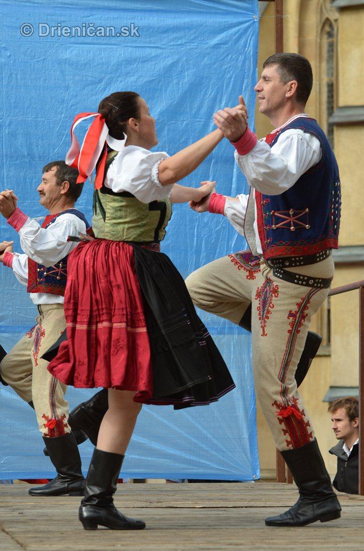 Jesenny kulturny festival v parku pri fontane _10