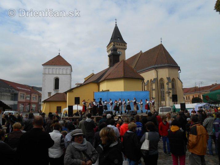 Jesenny kulturny festival v parku pri fontane _31