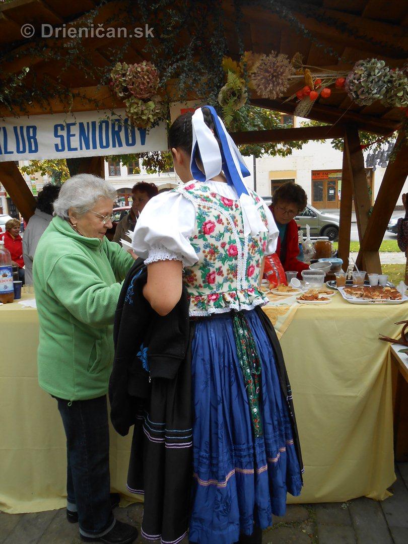 Jesenny kulturny festival v parku pri fontane _38