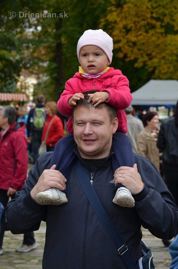 Jesenny kulturny festival v parku pri fontane _40