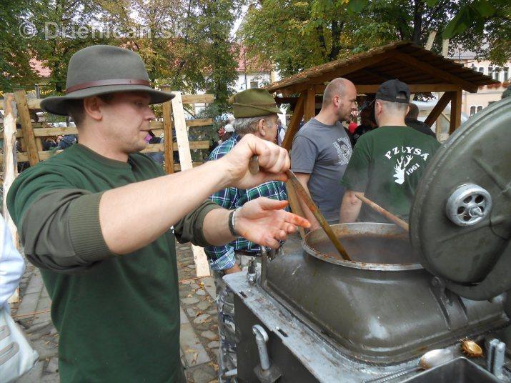 Jesenny kulturny festival v parku pri fontane _45