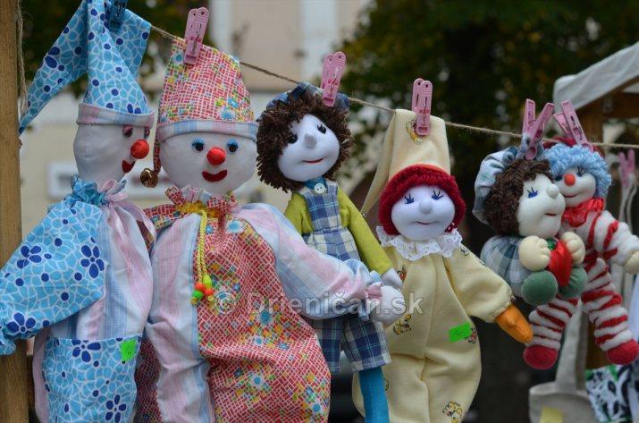 Jesenny kulturny festival v parku pri fontane _52