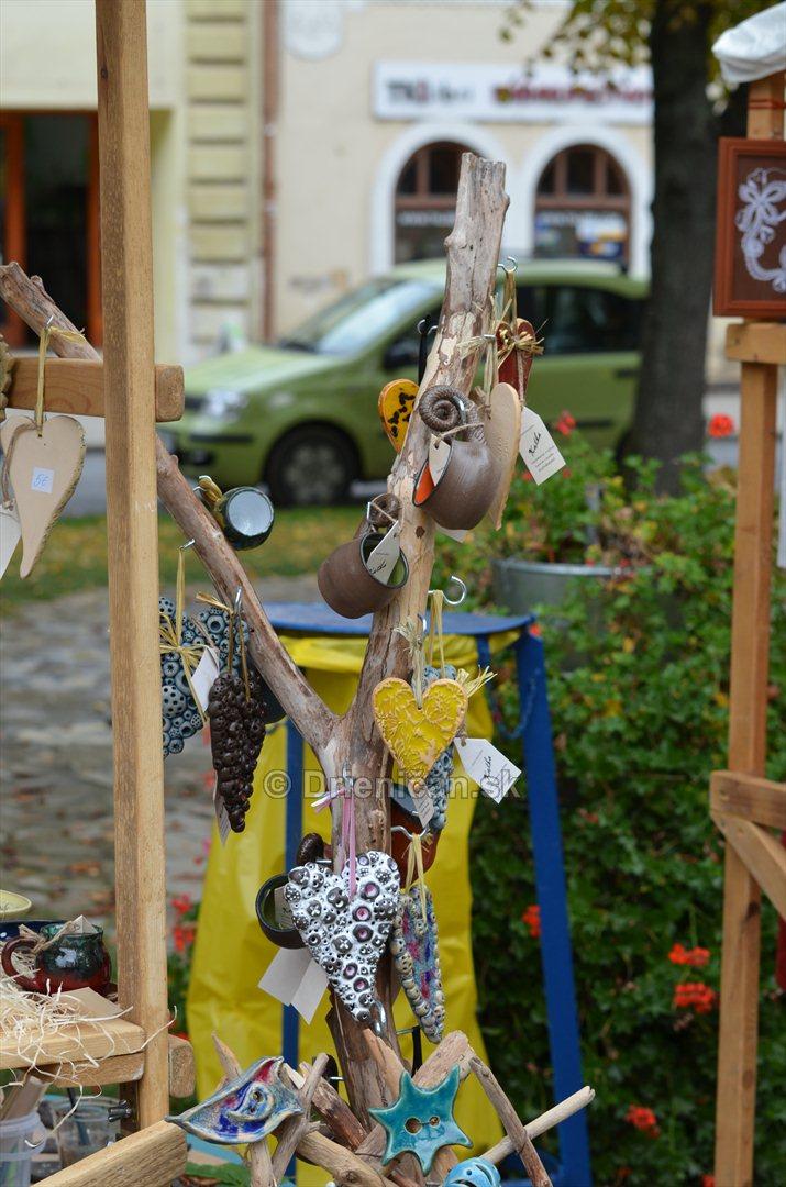 Jesenny kulturny festival v parku pri fontane _53