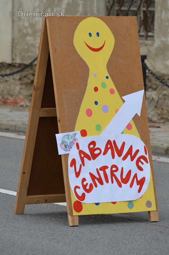 Jesenny kulturny festival v parku pri fontane _57