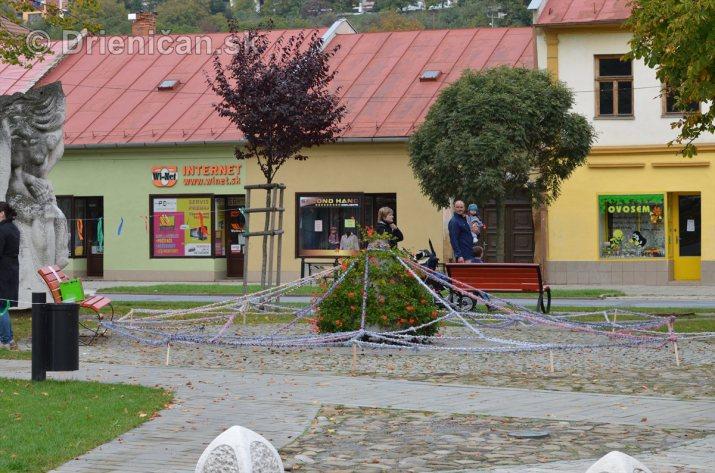 Jesenny kulturny festival v parku pri fontane _60