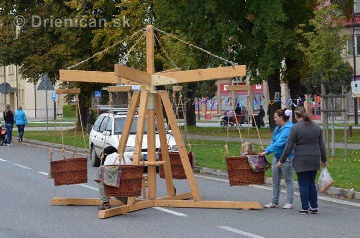Jesenny kulturny festival v parku pri fontane _61