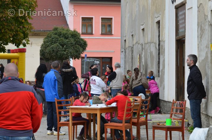 Jesenny kulturny festival v parku pri fontane _62