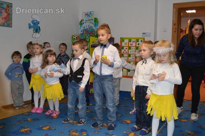 Vianocna besiedka v materskej skole Drienica_30