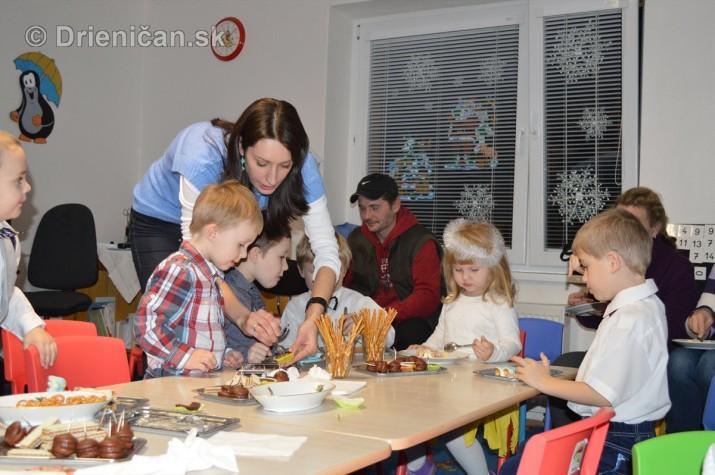 Vianocna besiedka v materskej skole Drienica_54